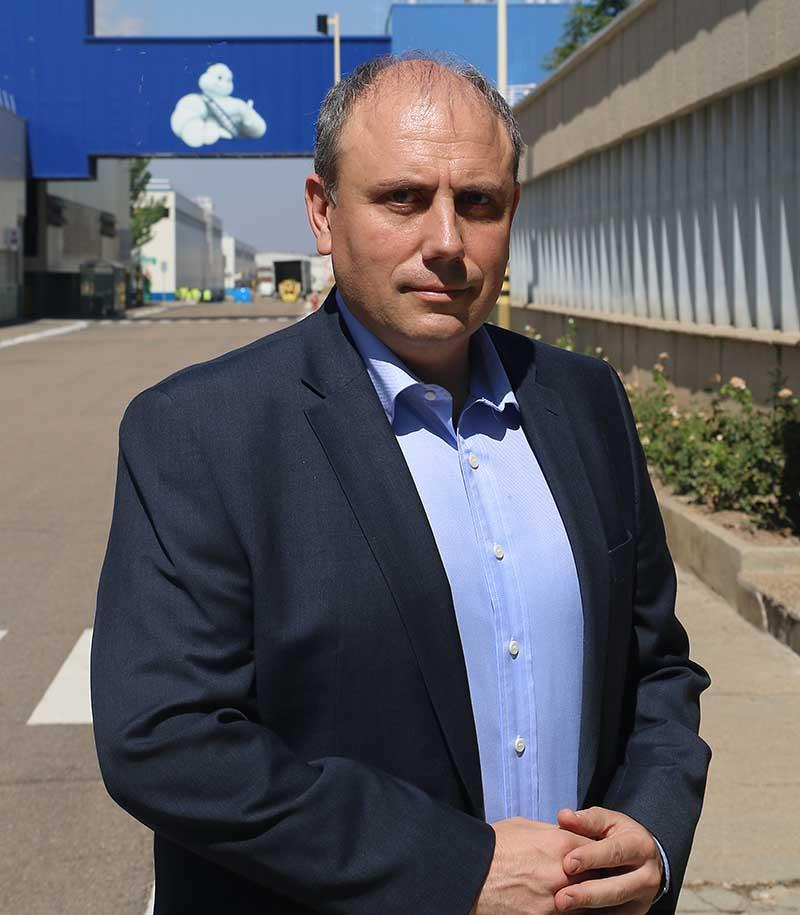 César Moñux